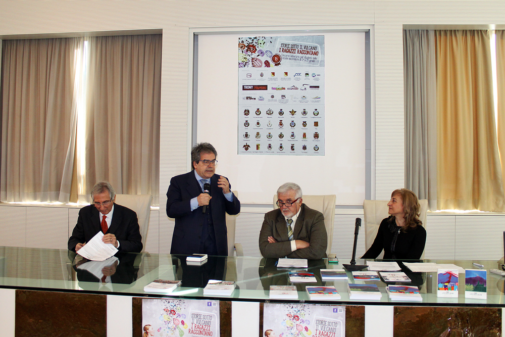 presentazione_iii_ed_di_storie_sotto_il_vulcano_b